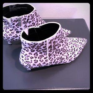 Women's Size 11 M Cheetah Print Booties